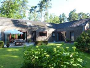 Zeer verzorgde woning op een perceel van 1552 m², rustig en residentieel gelegen in De Lint.  Indeling met o.a. woonkamer met bureau, nieuwe keuk