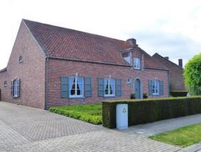 Instapklare woning op een perceel van 1050 m², rustig gelegen te Oosthoven.  Gelijkvloers met 3 slaapkamers en een nieuwe badkamer. Bovenverdiepi