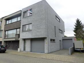 Nieuw en instapklaar duplex-appartement met woonkamer, eetkamer, keuken, badkamer, slaapkamer, berging (tweede slaapkamer), terras, inpandige garage.