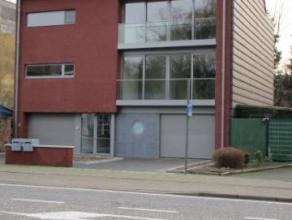 Nieuw duplex appartement op 100 m van de ring rond Turnhout. Ruime woonkamer, terras, drie slaapkamers, garage. Lift. EPC 208. Geen gemeenschappelijke