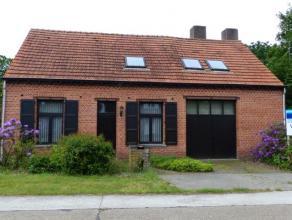 VERLAAGDE PRIJS!!! Zeer landelijk gelegen ruime woning/hoeve met 4 slaapkamers op 3.569 m².Ligging: Zeer rustig en landelijk gelegen, nabij de op