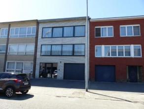 Ligging: In het centrum van Turnhout, vlakbij scholen en de ring rond Turnhout. Indeling: inkomhal, toiletten, bureau, garage, tuin, terrassen, tuinhu