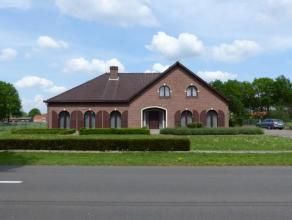 LiggingRustig en landelijk gelegen langs de verbindingsweg Balen - Kerkhoven met vlotte verbinding naar de omliggende centra (Lommel-Overpelt-Hechtel-