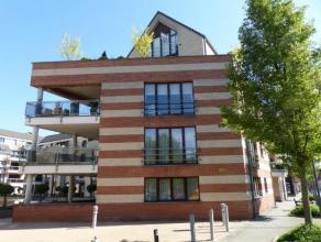 Ligging: Rustig gelegen in het centrum van Turnhout vlakbij scholen en winkels. Indeling: inkomhal, toilet, eetkamer, woonkamer, open keuken, berging,