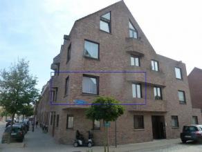 Ligging: Centraal rustig gelegen appartement in het centrum van Turnhout. Indeling: Inkomhal/nachthal, toilet, woonkamer, keuken, twee slaapkamers, ba