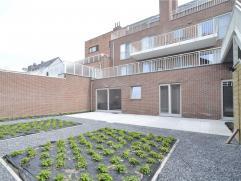 Appartement in Arendonk Zeer net appartement op de gelijkvloerse verdieping met inkomhal met gastentoilet, woonkamer met open keuken (voorzien van vaa