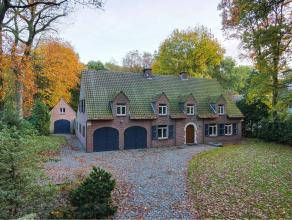 Woning in Oud-Turnhout op 3226m² Prachtige authentieke villa rustig gelegen in een residentiële verkaveling te Oud-Turnhout op een perceel v