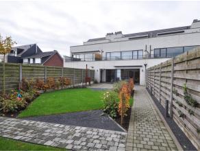 Appartement in Oud-Turnhout Dit topklasse gelijkvloers appartement is gelegen in kleinschalig complex te Oosthoven (Oud-Turnhout). Het appartement omv