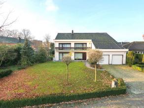 Woning in Turnhout op 1112m² Villa op ca. 1.110m² grond met 6 ruime slaapkamers. Hierdoor uitermate geschikt voor een groot gezin!Inkomhal m