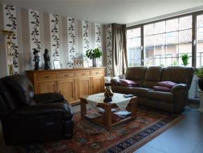 Recent appartement op de eerste verdieping met 2 slaapkamers, ondergrondse autostaanplaats en lift in hartje Arendonk. Beschikbaar: vanaf 1 juni 2015