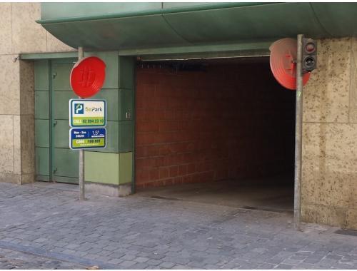 Garage louer bruxelles eedy6 bepark for Garage professionnel a louer