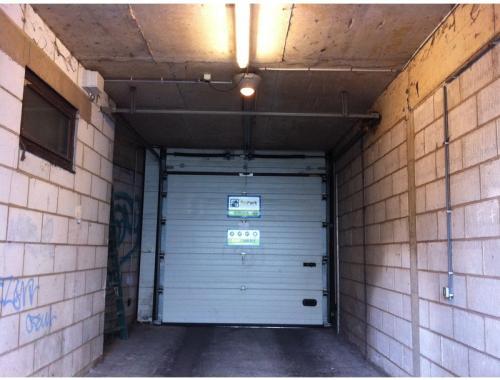 Garage louer schaerbeek eedzu bepark for Garage professionnel a louer