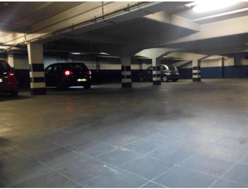 Garage louer schaerbeek eedzz bepark for Garage professionnel a louer