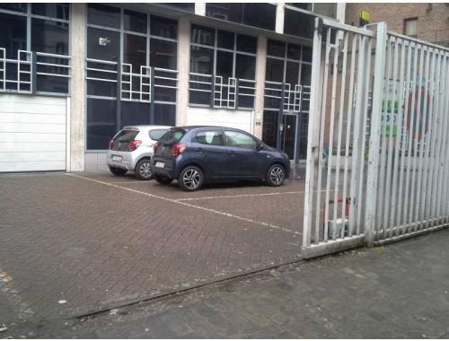 Garage louer schaerbeek eee04 bepark for Garage professionnel a louer
