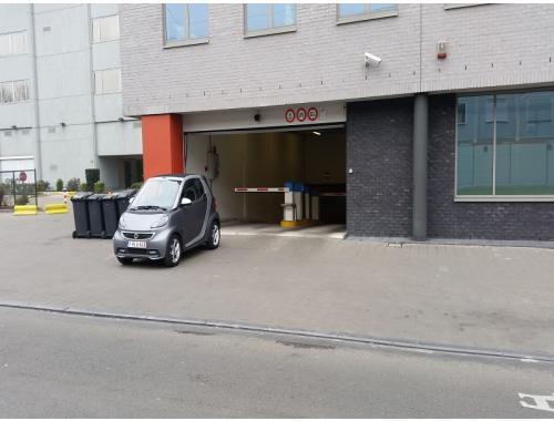 Garage louer schaerbeek eee4f bepark for Garage professionnel a louer