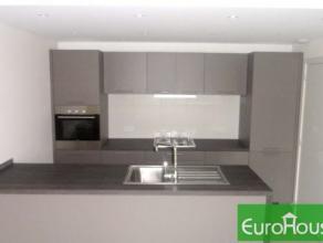 Situé dans un quartier très calme et verdoyant, sympathique appartement de 110m² habitables composé de 3 chambres, salle de