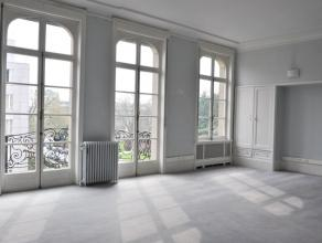 Entre les Etangs d'Ixelles et l'Avenue Louise, idéalement située, splendide et spacieuse maison de Maître actuellement à us