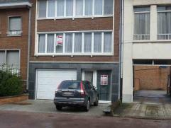 Woning : Edmond van Hoofstraat 10 : ruime woning in het centrum van Mol met alle winkels, scholen, ziekenhuis in de onmiddellijke omgeving. Gelijkvloe
