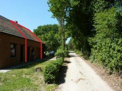 Mol: Bremstraat 11 : rustig gelegen kleine woning met living, douchekamer, wasplaats, garage, bergplaats, tuin, 1 slaapkamer : 495,00 euro.