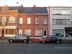 Mol : Rozenberg 103 : knusse woning met woonkamer, keuken, badkamer, berging, kelder, 2 slaapkamers, opbergkamer of eventueel 3e slaapkamer, zolder, t