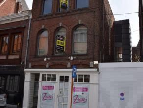 Gerenoveerd 1-slaapkamer appartement met groot terras en autostaanplaats in het centrum van Turnhout.