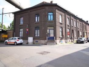 Spacieuse maison idéal pour investisseur, située à proximité de toutes les facilités (commerces, écoles, tra
