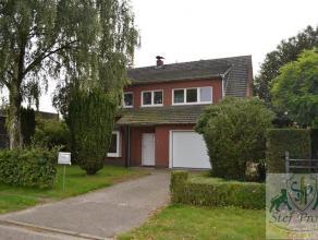 Te renoveren vrijstaande woning op een rustige ligging vlak bij openbaar vervoer, stad Turnhout, ... . Bestaande uit, inkomhal, gastentoilet, ruime wo