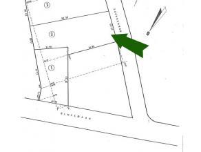 Mooi perceel bouwgrond voor open bebouwing gelegen in het centrum van Meerhout. De bouwgrond heeft een totale oppervlakte van 9A 77CA en is geori&euml