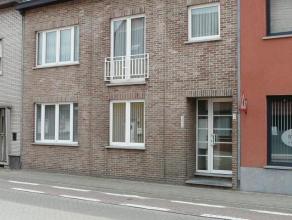 Goed gelegen gelijkvloers appartement met 1 slaapkamer. Verder bestaat dit appartement uit een leefruimte, ingerichte keuken en badkamer met douche. B