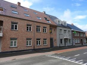 Prachtig nieuwbouwappartement gelegen op de eerste verdieping met twee slaapkamers. Verder bestaat dit appartement uit een open leefruimte met ingeric