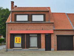 Gezellige woning aan de dorpsrand van Meerhout op een perceel van 4a 47ca. Halfopen bebouwing, gunstige gelegen aan de verbindingsweg Meerhout - Olme