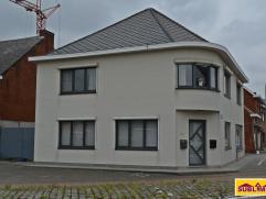 Ruime woning te Meerhout-Zittaart. Perceeloppervlakte : 300 m².  Mits een kleine verbouwing kan dit gebouw ook worden aangepast naar 2 apparte