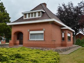 Op te frissen woning op een mooi perceel van 1000 m²  te Hulsen-BALEN. Open bebouwing op een perceel van 10a - 25m perceelbreedte. Rustige ligg