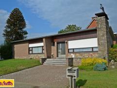 Gelijkvloerse woning op een perceel van 7a 50ca te Meerhout.  Gunstig en rustig gelegen aan de dorpsrand van Meerhout, nabij sportvelden en een groen