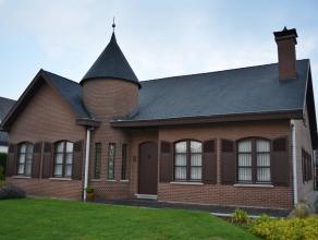 Verzorgde gelijkvloerse woning op 1928 m² in Lummen - Meldert. Open bebouwing op een zuid - oost gericht perceel. Bouwjaar 1978 - Perceelbreedt