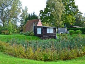 Charmant perceel recreatiegrond met kleine vijver en chalet, gelegen nabij het centrum Meerhout-Gestel, op een perceel van 1500 m².<br /> Gelege