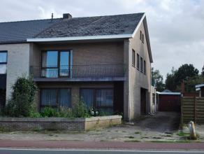 Zeer ruime woning met 4 slaapkamers aan de dorpsrand van Balen.  Lokale handelaars, de basisschool en het openbaar vervoer zijn in de nabije omgeving.