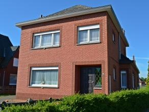 Verzorgde woning op een perceel van 16a 40ca, gelegen in een rustige mooie buurt in Balen-Rosselaar.  Uitstekende ligging aan de rand van een groene o