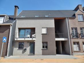 Zeer verzorgd en energiezuinig appartement met een ruim terras in een recent gebouw (bj 2012) met 4 appartementen.<br /> Gelegen op de 1ste verdieping