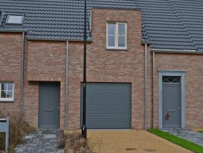 Nieuwe woning te Meerhout-Zittaart. Zeer rustige en kindvriendelijke omgeving - aan een doodlopende straat, in een nieuwe verkaveling. De basisschool