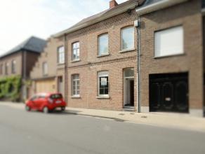 Deze woning is gelegen nabij het centrum van Izegem op wandelafstand van sport- en recreatiecentrum De Krekel en op 50 meter van de Sint-Jozefskliniek