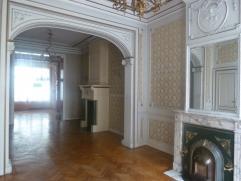 Hôtel de maître 275 m² - 6 chambres. Jardin. Caves. Grenier aménageable.