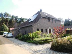 Prachtig gelegen, vrijstaande woning op 10a44, met mooi aangelegde tuin en  groot tuinhuis.<br /> Indeling: inkom, 1 slaapkamer beneden, living met zi