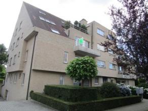 Ruim verzorgd appartement op de 2de verdieping met een oppervlakte van 100 m². Gelegen buiten het centrum van Herentals, vlakbij de ring. Mooie r