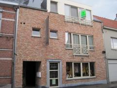 Zeer gezellig appartement in het centrum van Herenthout. Het appartement omvat een leefrtuimte, met open geÃÂnstalleerde keuken, een apar
