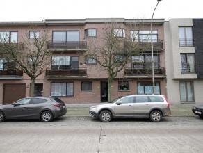 Gelijkvloersappartement gelegen op fietsafstand van het centrum van Brasschaat met een leuke tuin en garage.<br /> Indeling: Inkomhal, leefruimte op p