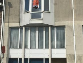 Op te frissen appartement op wandelafstand van het centrum van Lier. Het appartement bevindt zich op de 2de verdieping en is als volgt ingedeeld: inko