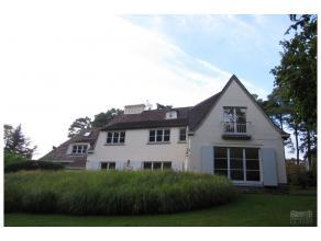 Quartier Prince d'Orange - Ravissante villa classique rénovée de +/- 450 m² habitables avec beau jardin de 17 a, terrasse de +/- 50