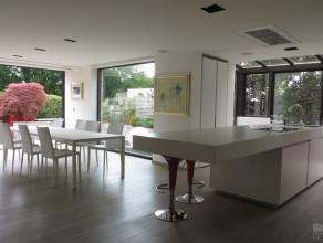 Dans un très beau cadre de verdure penthouse exceptionnel de +/- 280 m² + 225 m² de terrasses entièrement rénové