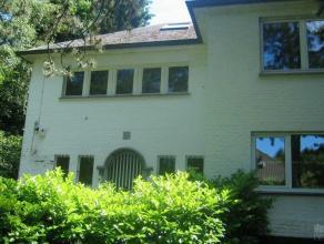 Jolie villa classique et lumineuse, nouveaux doubles vitrages, jardin 12 ares. Belles réceptions: bureau, living avec feu ouvert, salle &agrave